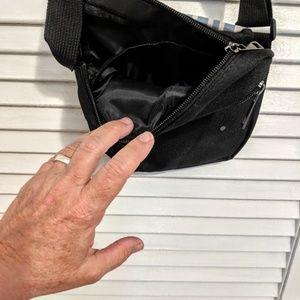 Bags - Small Zippered Yellow Labrador Bag NWOT